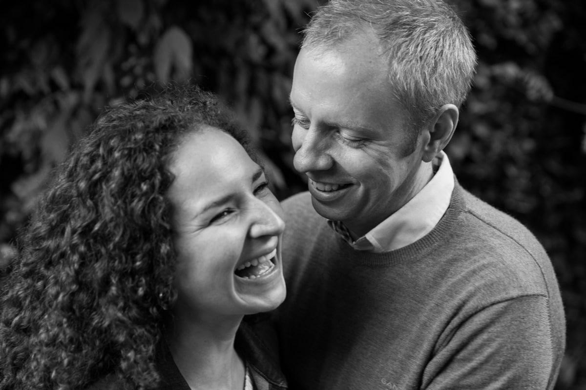 regents park engagement shoot couple