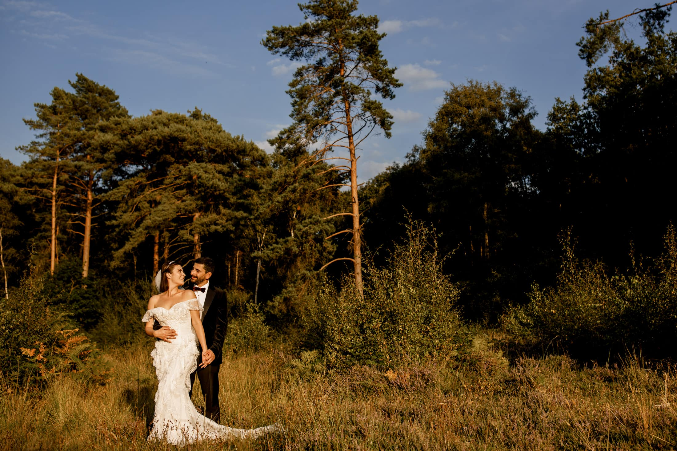 wedding couple in burnham beeches