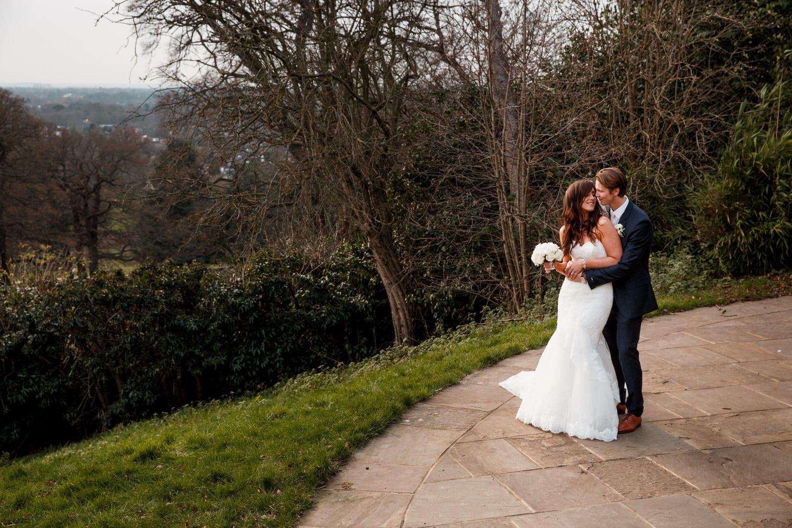newlywed wedding photography at pembroke lodge richmond park