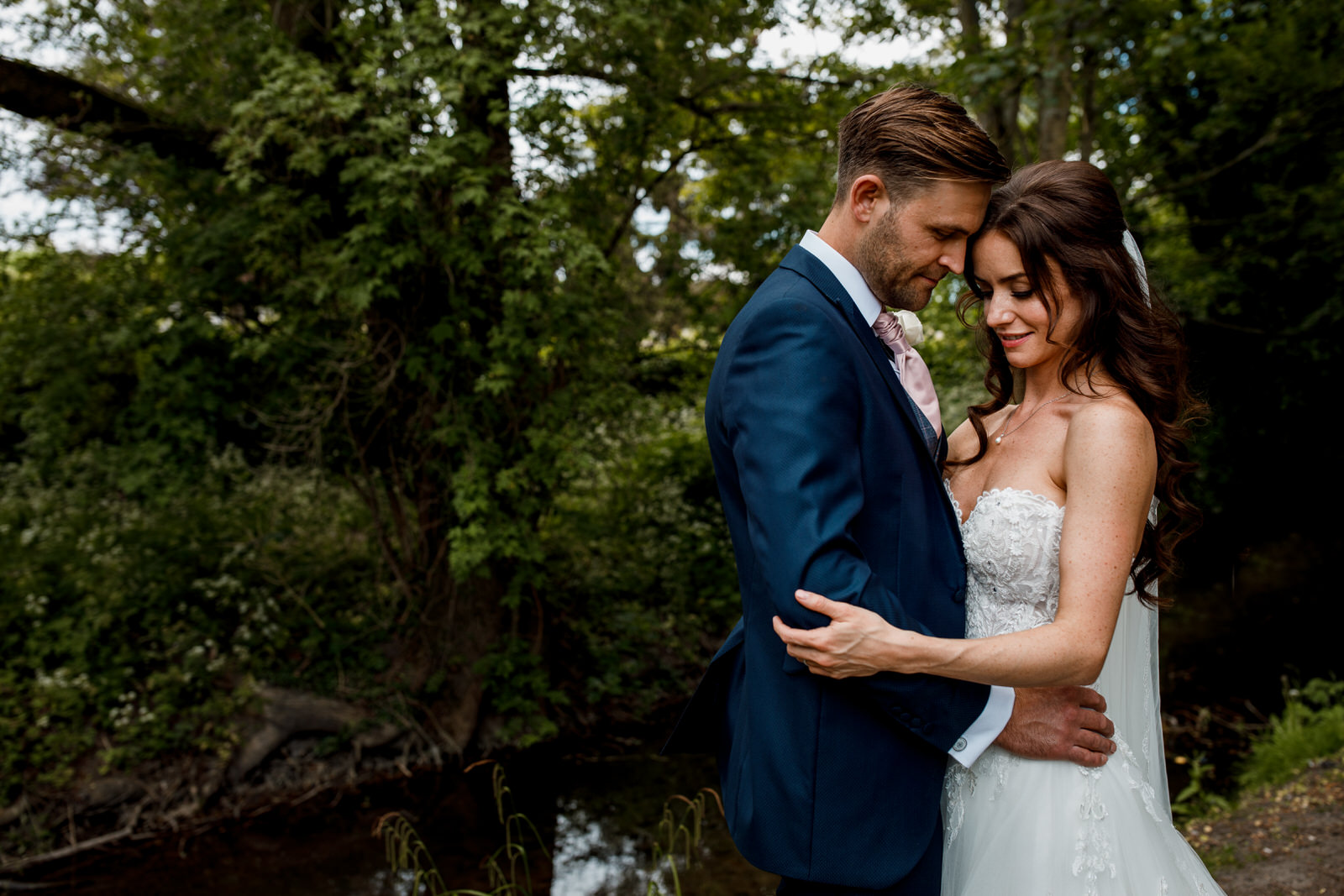 bride and groom portraits in old amersham