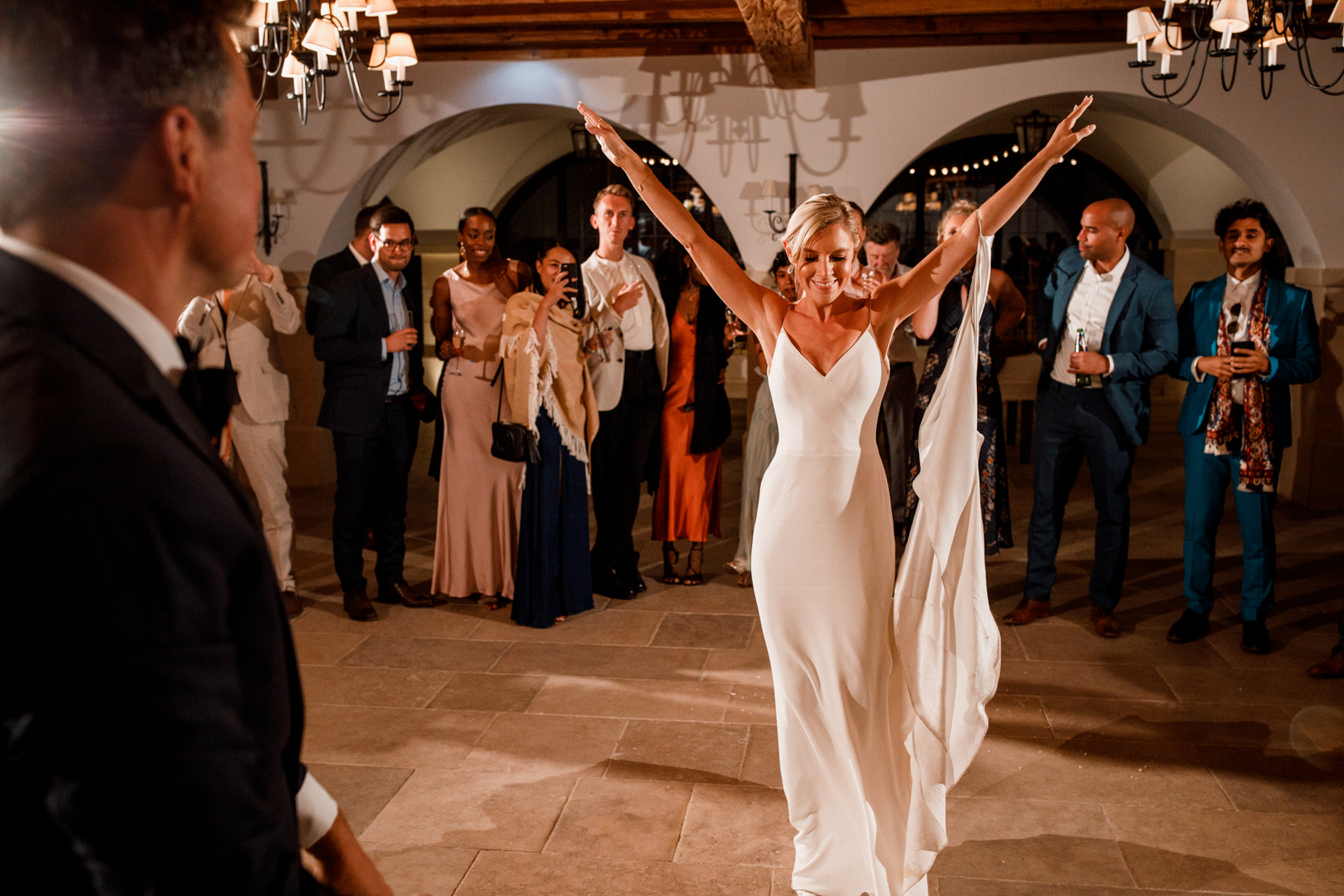 first dance at la bastide de gordes wedding