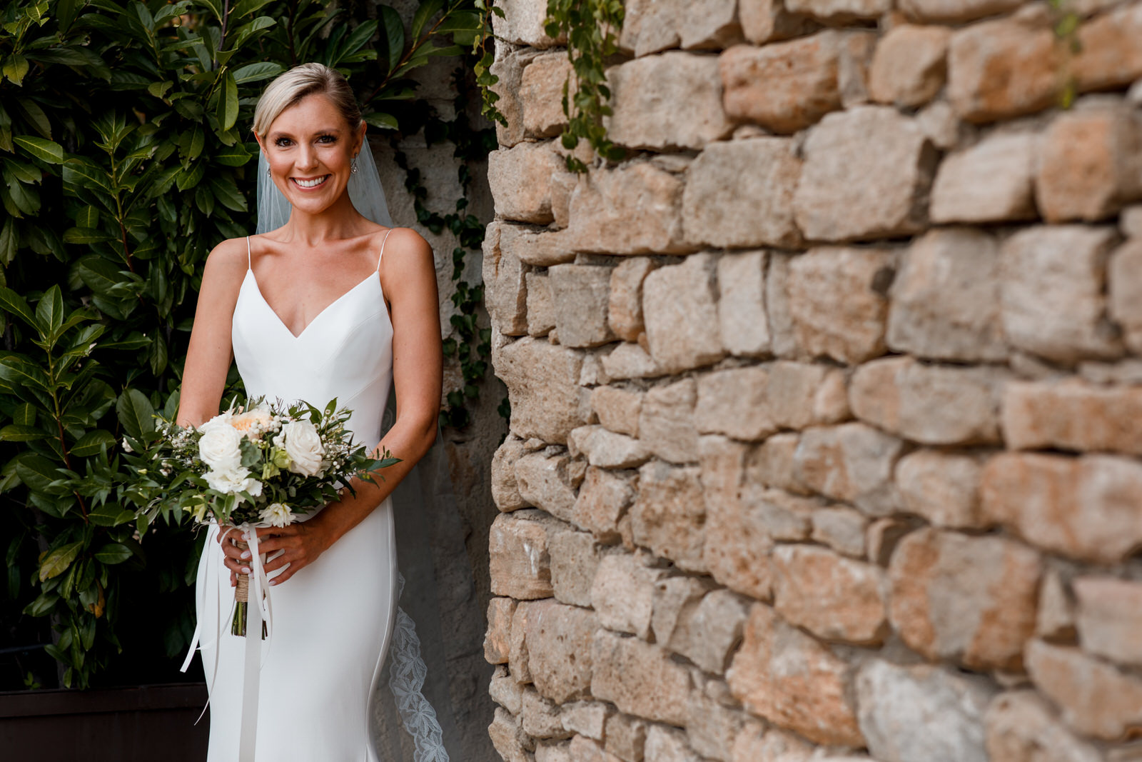 bride at bastide de gordes wedding
