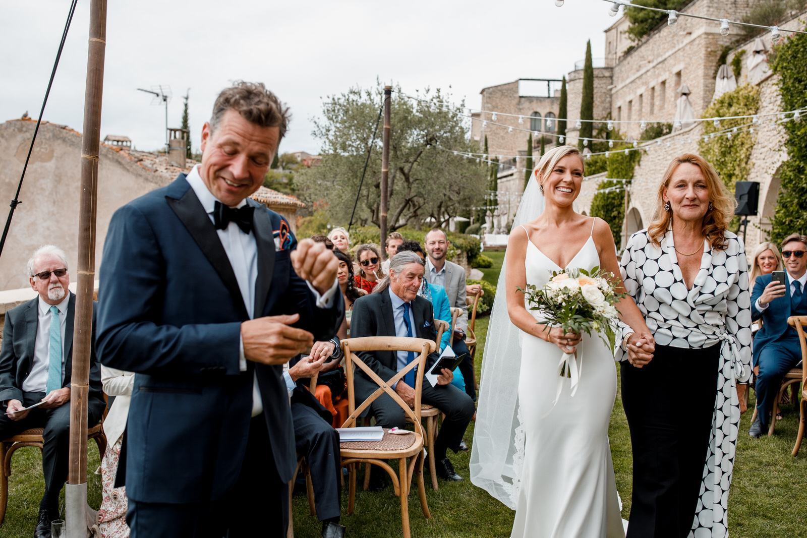 groom seeing bride for the first time at gordes wedding