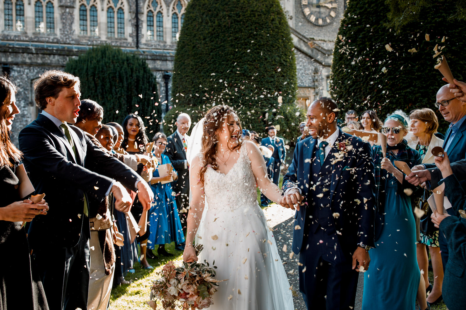 beaconsfield church confetti photo