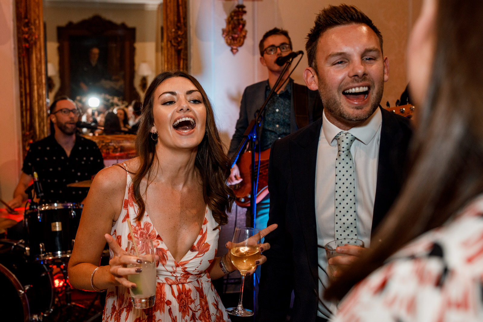 dancing at hedsor house wedding
