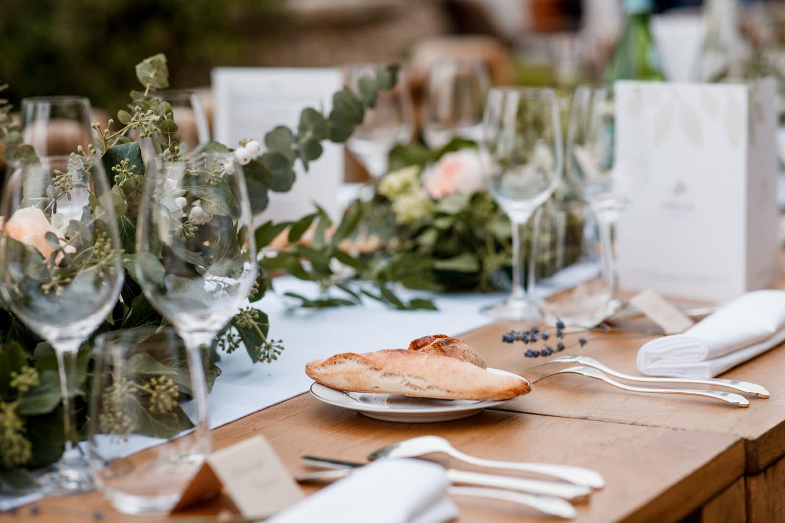 wedding details at bastide de gordes wedding
