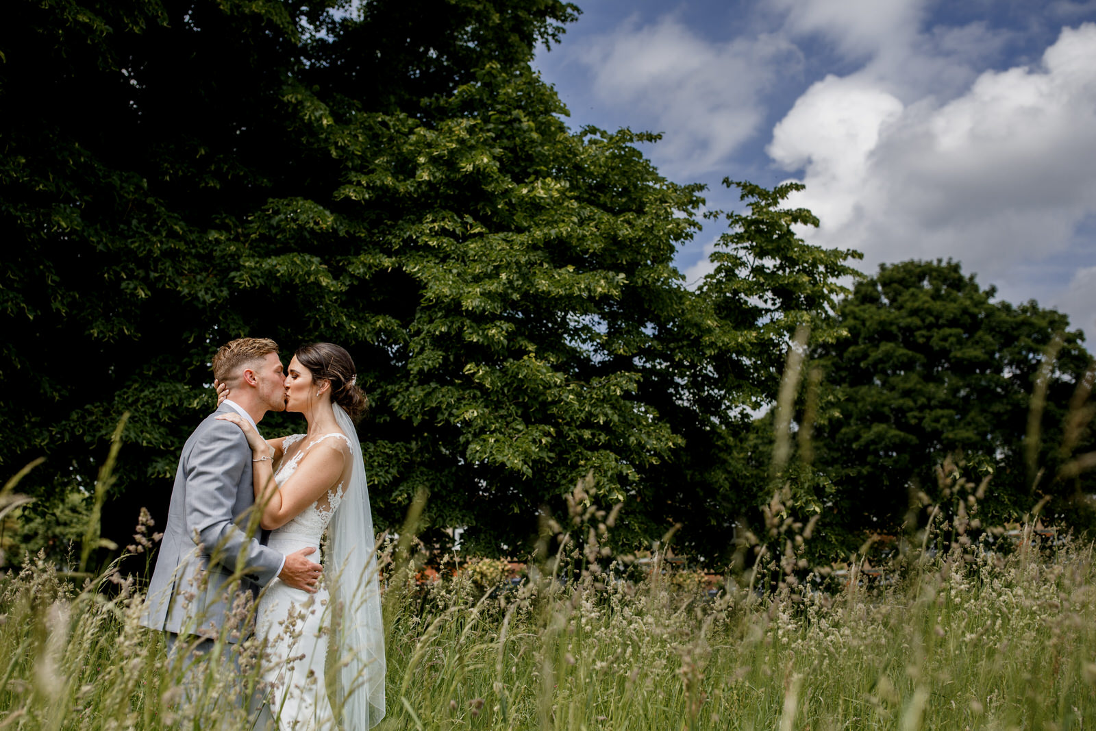 garden wedding photographer