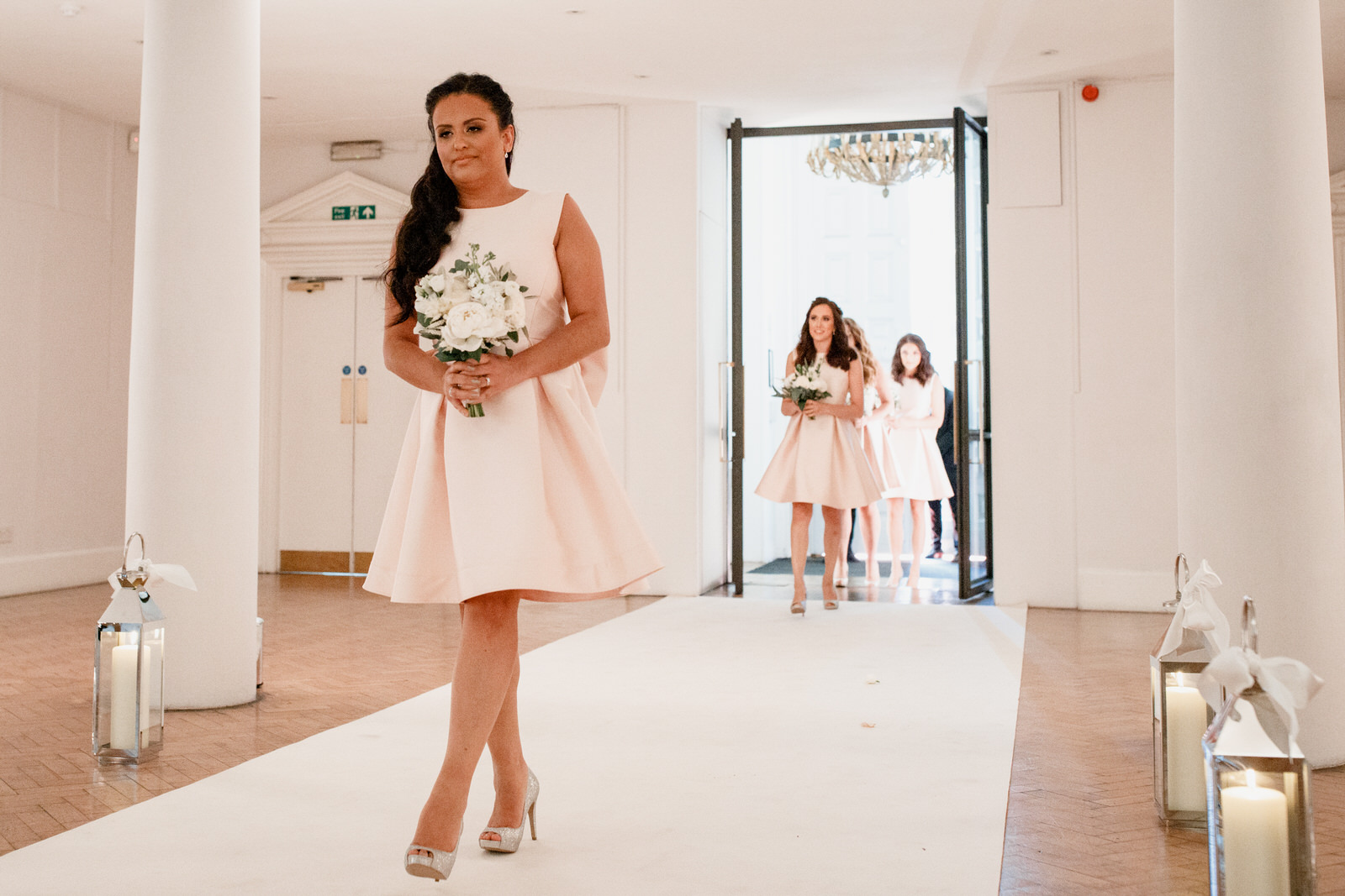 bridal party arriving at one marylebone