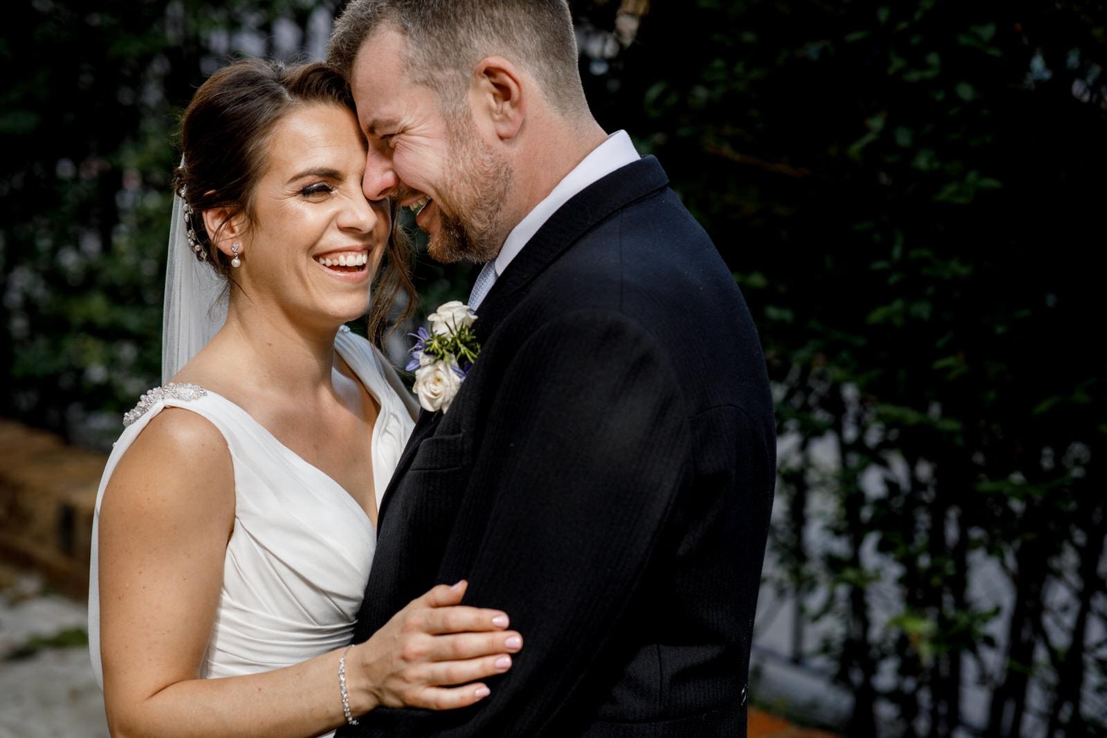 bride and groom portraits outside marylebone