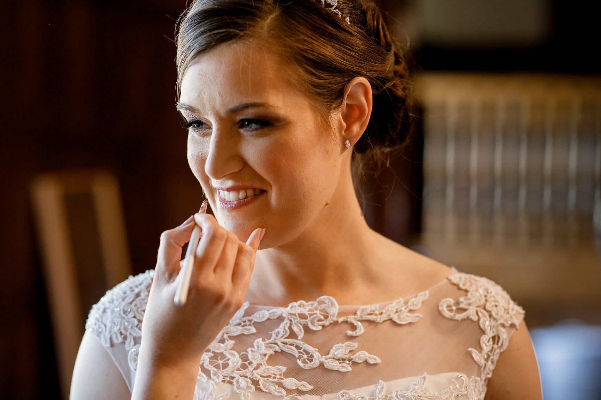 lipstick touch up for bride