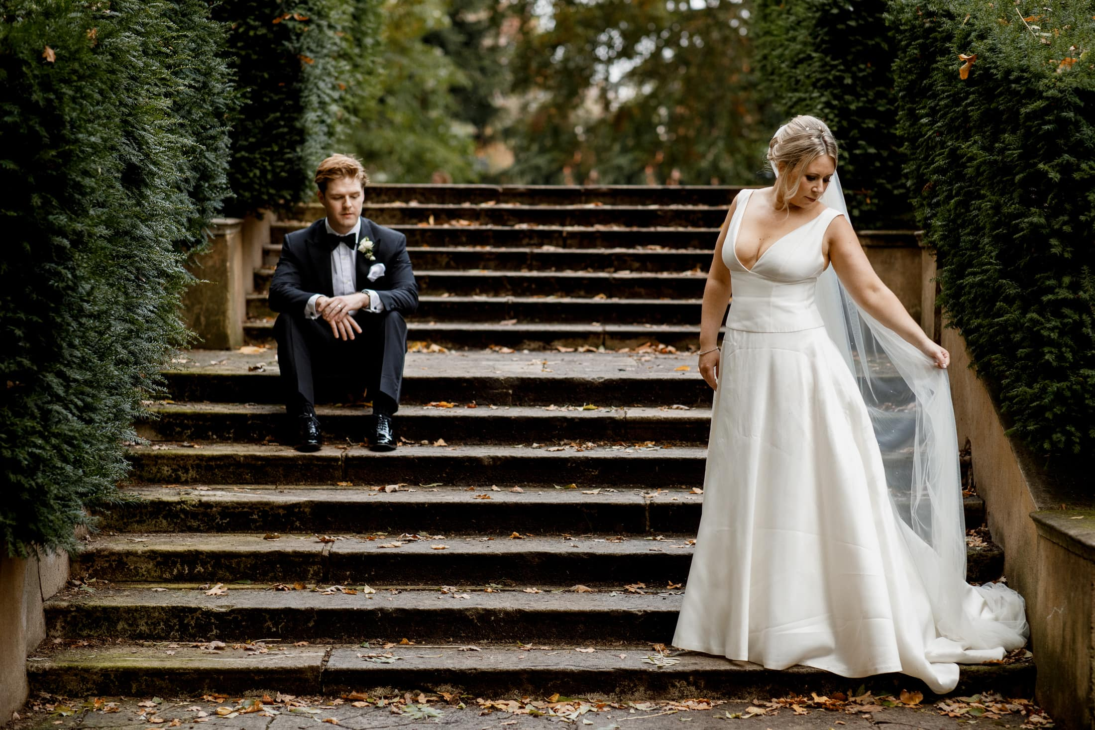 bridal portrait in holland park